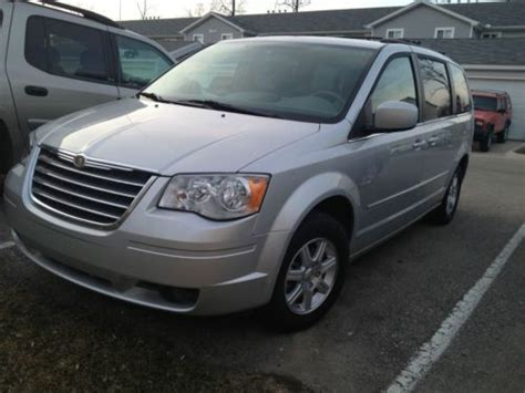 Tires For Chrysler Town And Country by Buy Used 2008 Chrysler Town And Country Touring 56k Low