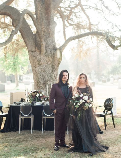'Til Death Do Us Part: a Wedding in a Cemetery   Green Wedding Shoes