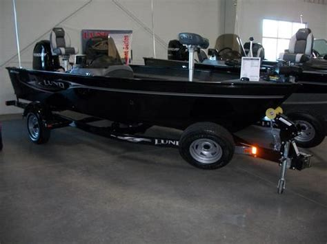 Bass Boat Questions by Bass Boat Question