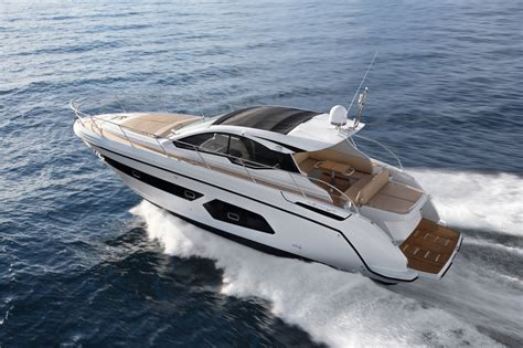 Azimut Yachts introduces Azimut Atlantis 43 : Gentleman's