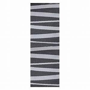 tapis de couloir are gris et noir sofie sjostrom design With tapis de couloir avec canapé convertible xxl