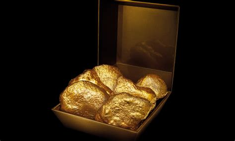 mcdonalds hk    steal  box  pure gold