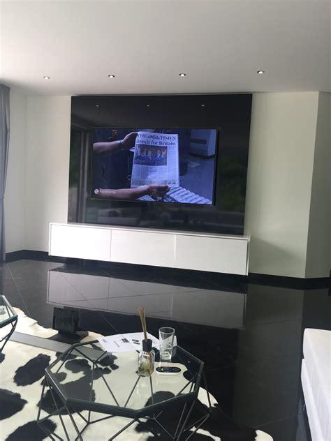 Tv Wand Hochglanz geradlinige und edle tv wand tv wall individual in