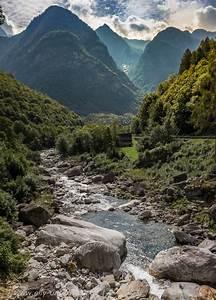 Bachläufe Und Wasserfälle : schweiz am lago maggiore elly unterwegs ~ Sanjose-hotels-ca.com Haus und Dekorationen