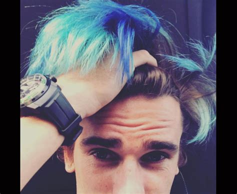 Men's football player hair inspiration! Antoine Griezmann: Atletico Madrid star's new blue hair latest dodgy haircut in football | Daily ...
