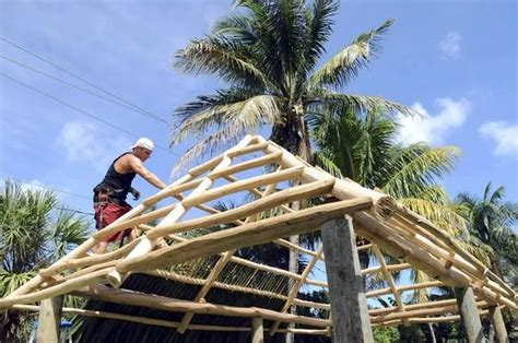 How To Build A Tiki Hut by 17 Best Images About Outdoor Pool Bar On Bar