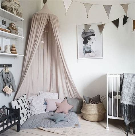 beautiful canopy     playroom  bedroom