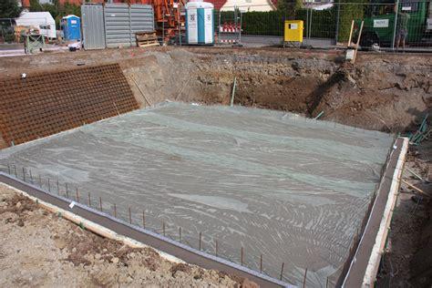 wärmedämmung im haus risse in bodenplatte risse in beton fertiggarage baumurks baum ngel frag die experten wolnzach