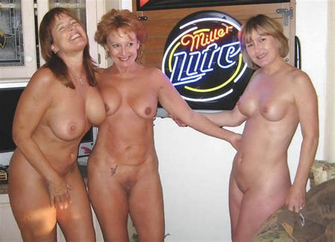 Mom Herdaughter And Her Sister In Law Naked Milf And Daughters