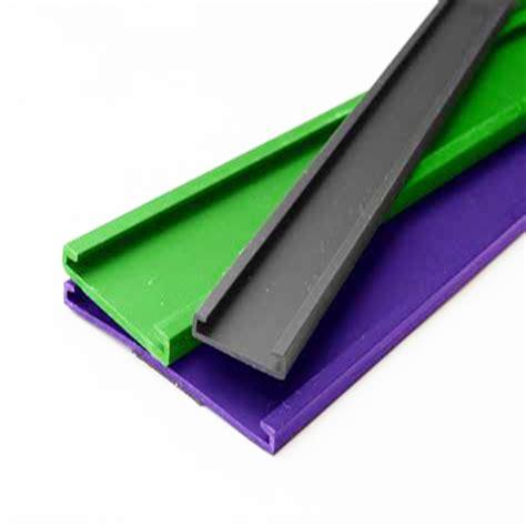 red plastic  shape  slot plastic uchannel pvc edge trim strip  furniture corner protector