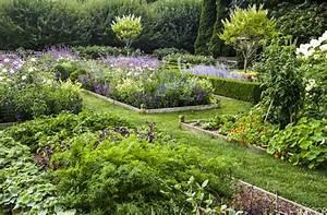 Ina Garten's Gorgeous Garden – The Simply Luxurious Life®