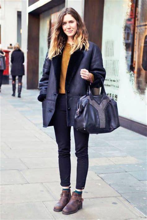 wear flat shoes dress   parisian