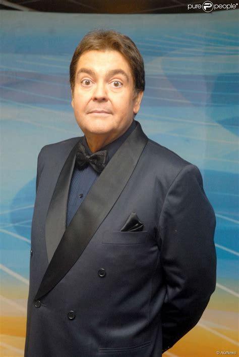 Fausto Silva está à frente do 'Domingão do Faustão' desde ...