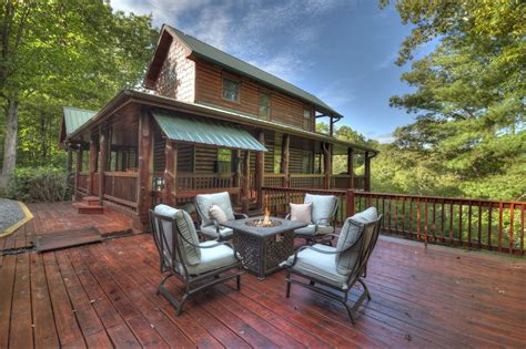 Dancing Bear Retreat Rental Cabin   Cuddle Up Cabin Rentals