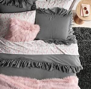 1000 images about chambre a coucher on pinterest With tapis chambre bébé avec collant noir motif fleur