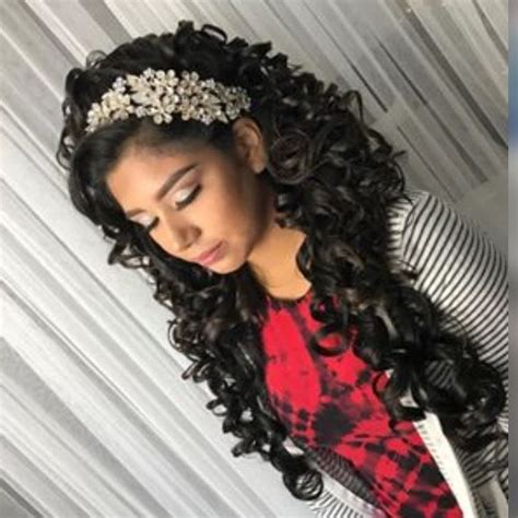 Quinceanera Hairstyles With Curls by Quinceanera Hair And Makeup My Quincea 241 Era Planning In