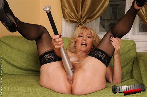 Mature Sex Horny Bitch Suzanne Got Her Pus Xxx Dessert