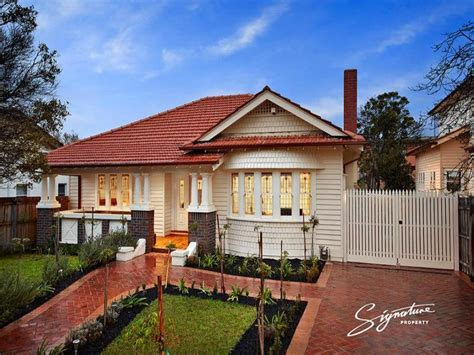 Weatherboard Californian Bungalow House Exterior With Bay