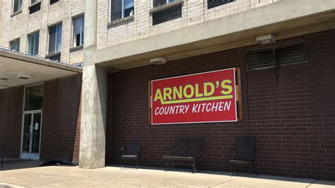 arnolds country kitchen arnold s country kitchen quietly closes green 1352