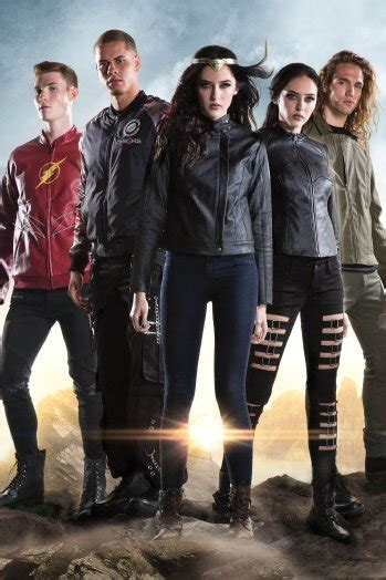 Star Trek Discovery Wallpaper Hot Topic 39 Justice League 39 Collection Launches Hollywood Reporter