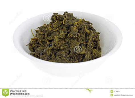 cuisiner epinard en boite bol en boîte d 39 épinards image stock image 32789231