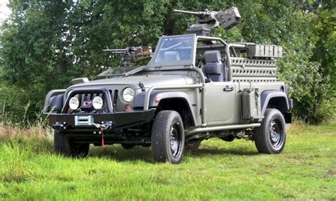 jeep wrangler military style the army jeep is not dead it 39 s just meaner and heavier