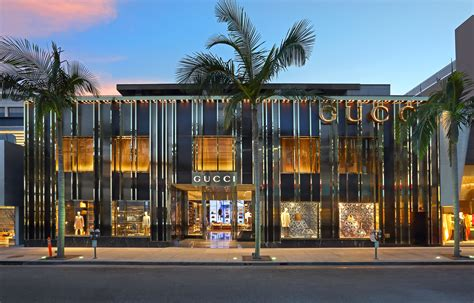 retail showroom design gucci gives beverly flagship a faceliftessential