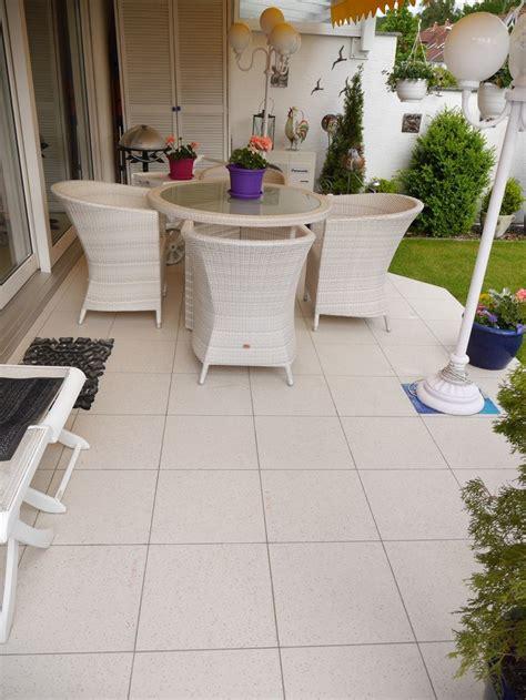fliesen für balkon fliesen auf folie system ihr neuer balkon natursteinplatten balkon und terrasse