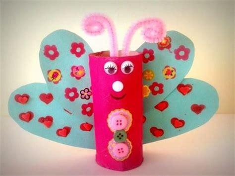 realiser un papillon avec rouleau papier toilette