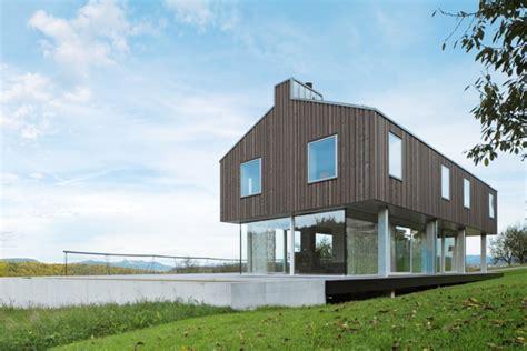 Modernes Massivhaus In Der Natur Einfamilienhäuser