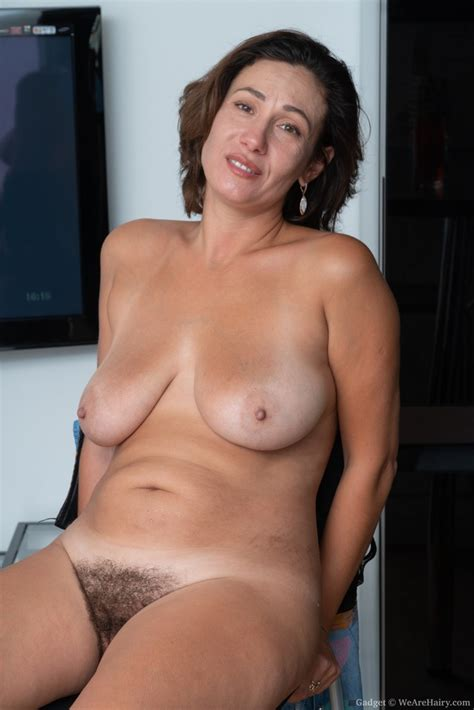 Mature Saggy Tits With Hairy Pussy Whix