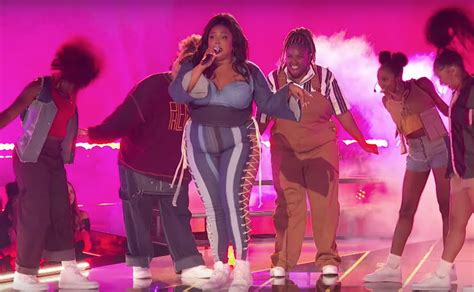 lizzo nods  sister act   performing juice  mtv