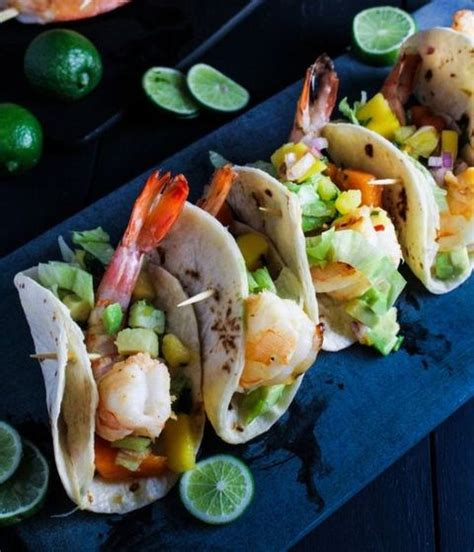 cuisine trop 65 delicious tropical wedding food and drink ideas