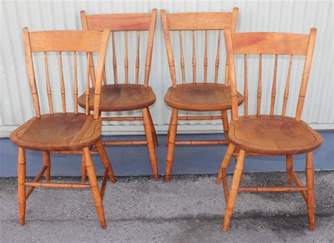 signed nichols and stone thumb back windsor chairs set