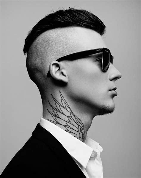 tatouage nuque homme aile