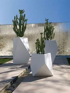 Pflanzkübel Für Draussen : ideen f r geometrische formen bysteel kobol pflanzk bel ~ A.2002-acura-tl-radio.info Haus und Dekorationen