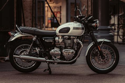 triumph bonneville t120 2019 triumph bonneville t120 edition 6 fast facts