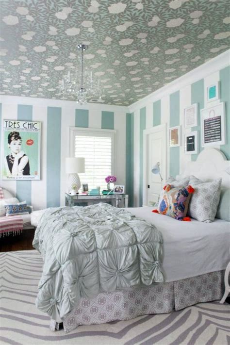 The way a bedroom is designed speaks volumes about a person's style and personality. Trendy original wall design in the youth room | Interior ...