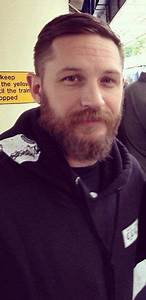 Tom Hardy at the trainstation in Richmond (London). Oct ...
