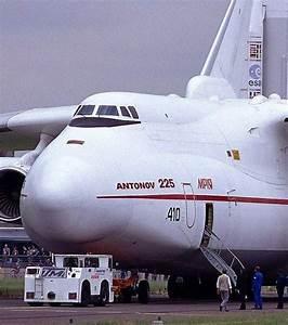 Le Plus Gros Moteur Du Monde : le plus gros avion du monde d couvrez l 39 antonov an 225 mriya ~ Medecine-chirurgie-esthetiques.com Avis de Voitures