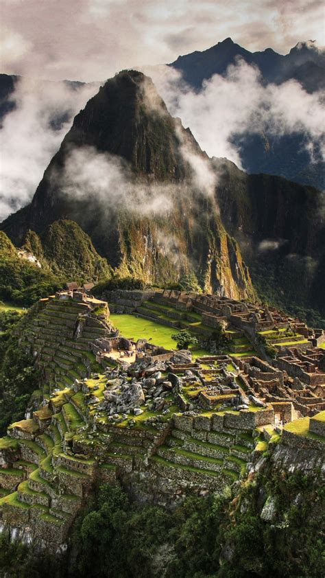 wallpaper machu picchu   wallpaper peru mountains