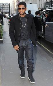 Usher Photos Photos - Usher Spotted Out In London - Zimbio