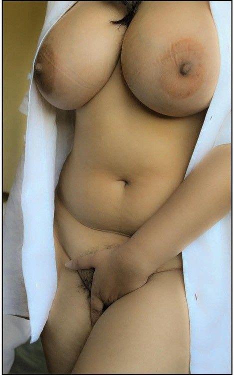Sexy Hot Curvy Chedli Riahi