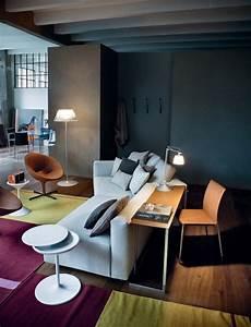 Regal Hinter Couch : ein sofa mit tisch party von zanotta ~ Yasmunasinghe.com Haus und Dekorationen