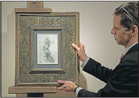 employee  paris auctioneer tajan displays