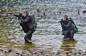 Operations Specialist Navy Clearance Diver Capability On Show Navy Daily