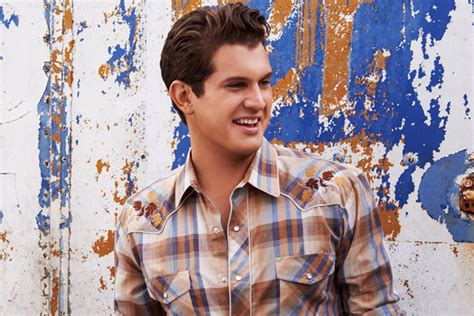 """Jon Pardi Goes """"head Over Boots"""" For His First Number One"""