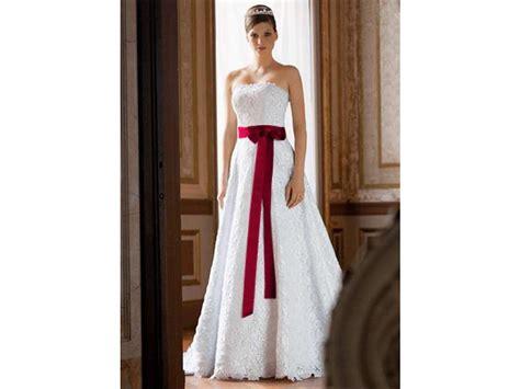 David's Bridal Style #ct2406 Size 5 Wedding Dress