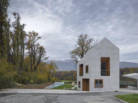 villa  genf satteldach aus beton architektur und