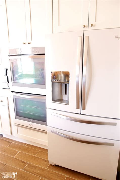 white cabinets with white appliances white cabinets and white appliances 652 | Kitchen Remodel 8